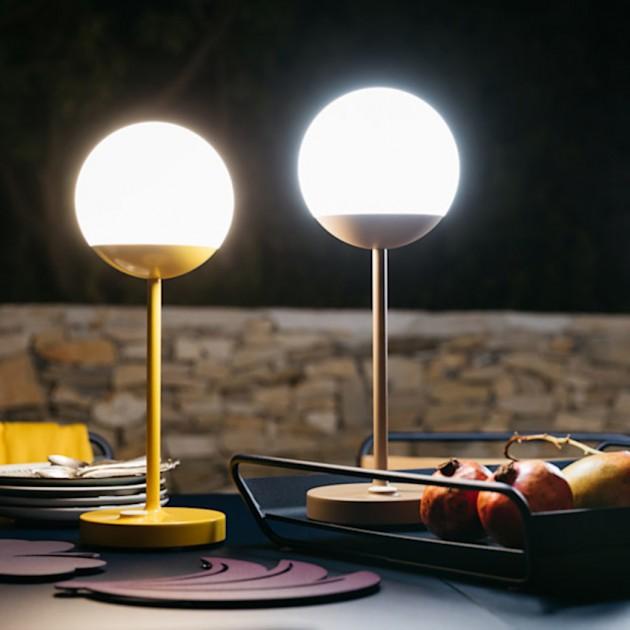 На фото: Світильник Mooon Nutmeg (530114), Світильники Mooon! h40 Fermob, каталог, ціна