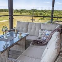 Кутові дивани зі столом • Столові комплекти