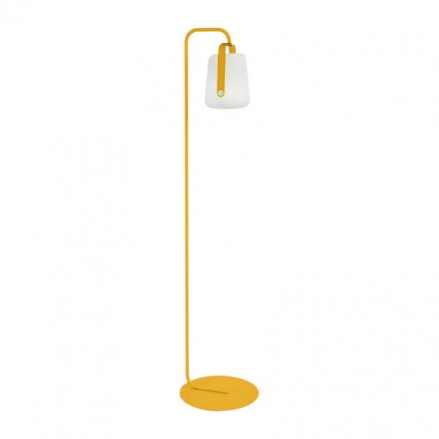 На фото: Підлоговий світильник Balad h25 Honey (363173), Підлогові світильники Fermob, каталог, ціна