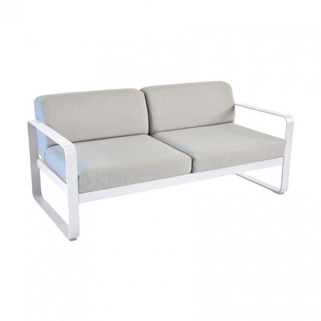 На фото: Диван Bellevie Cotton White (84450179), Двомісний диван Bellevie з подушками Flannel Grey Fermob, каталог, ціна