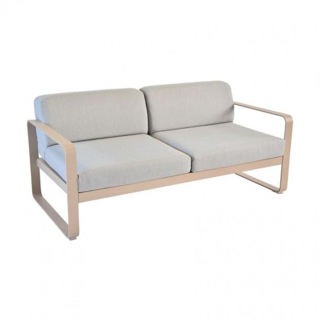 На фото: Диван Bellevie Nutmeg (84451479), Двомісний диван Bellevie з подушками Flannel Grey Fermob, каталог, ціна