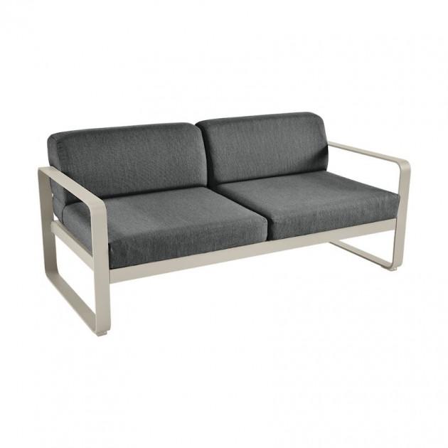 На фото: Диван Bellevie Nutmeg (84451481), Двомісний диван Bellevie з подушками Off-White Fermob, каталог, ціна