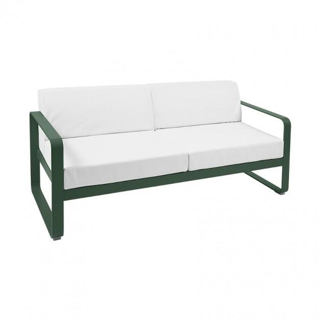 На фото: Диван Bellevie Cedar Green (84450281), Двомісний диван Bellevie з подушками Off-White Fermob, каталог, ціна