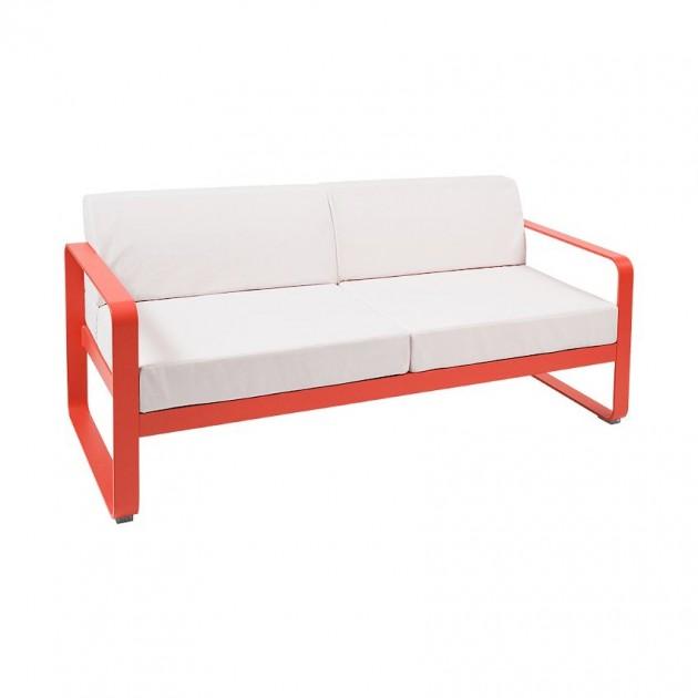 На фото: Диван Bellevie Capucine (84454581), Двомісний диван Bellevie з подушками Off-White Fermob, каталог, ціна