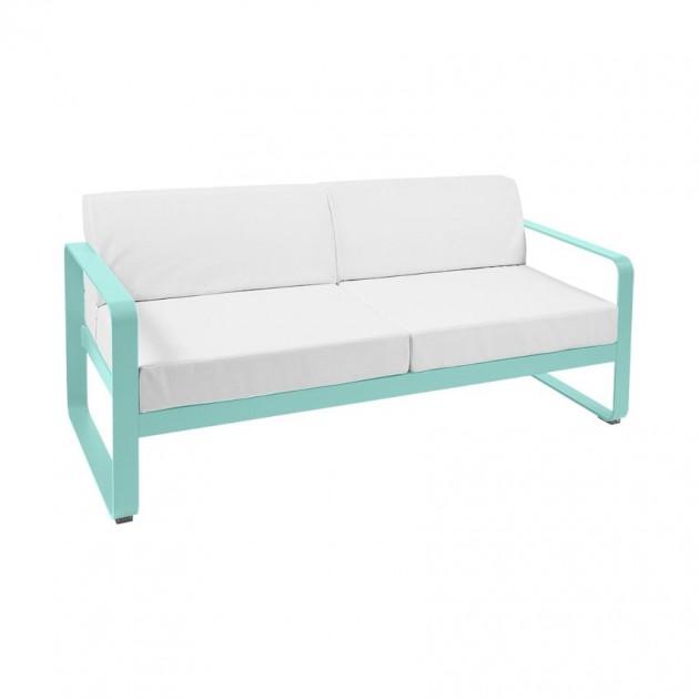 На фото: Диван Bellevie Lagoon Blue (84454681), Двомісний диван Bellevie з подушками Off-White Fermob, каталог, ціна