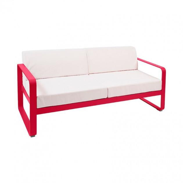 На фото: Диван Bellevie Pink Praline (84459381), Двомісний диван Bellevie з подушками Off-White Fermob, каталог, ціна