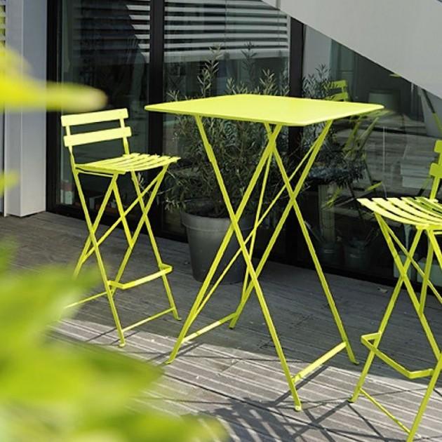 На фото: Барний стіл Bistro 0250 Plum (025044), Барний стіл Bistro Fermob, каталог, ціна