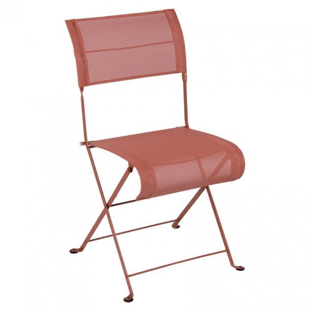 На фото: Складаний стілець Dune Red Ochre (120120), Стілець Dune Fermob, каталог, ціна