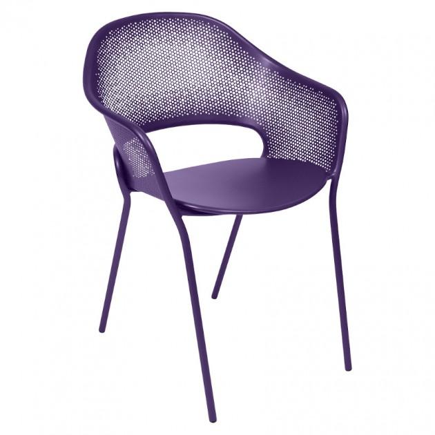 На фото: Садове крісло Kate (730228), Металеві крісла Fermob, каталог, ціна