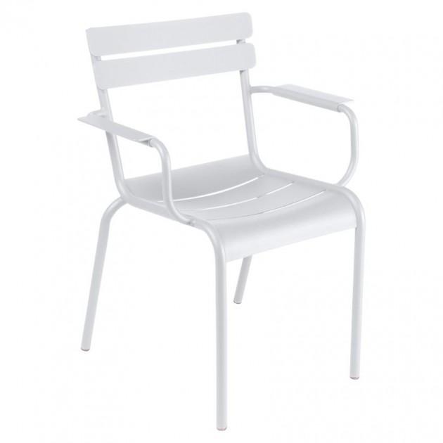 На фото: Стілець Luxembourg 4102 White Cotton (410201), Стілець з підлокітниками Luxembourg Fermob, каталог, ціна