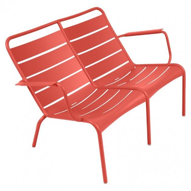 На фото: Подвійне крісло Luxembourg Duo 4105 Capucine (410545), Металеві лавки Fermob, каталог, ціна