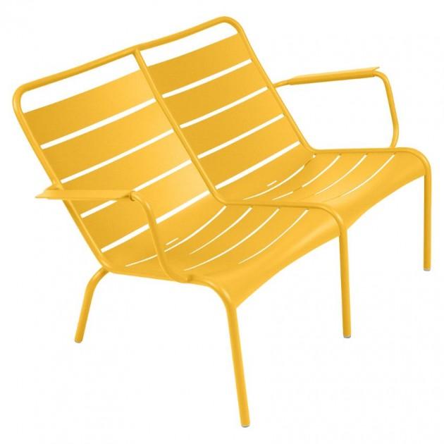 На фото: Подвійне крісло Luxembourg Duo 4105 Honey (410573), Металеві лавки Fermob, каталог, ціна