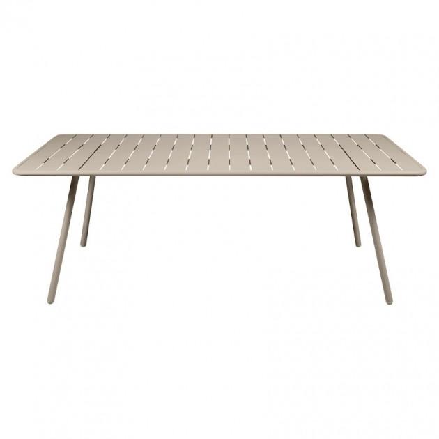 На фото: Обідній стіл Luxembourg 4132 Nutmeg (413214), Стіл Luxembourg 207x100 Fermob, каталог, ціна