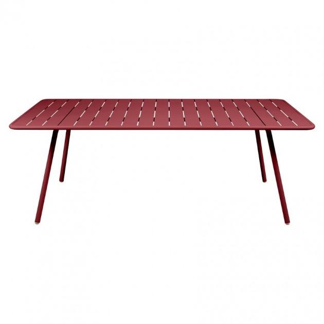На фото: Обідній стіл Luxembourg 4132 Chili (413243), Стіл Luxembourg 207x100 Fermob, каталог, ціна