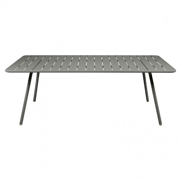 На фото: Обідній стіл Luxembourg 4132 Rosemary (413248), Великі столи Fermob, каталог, ціна