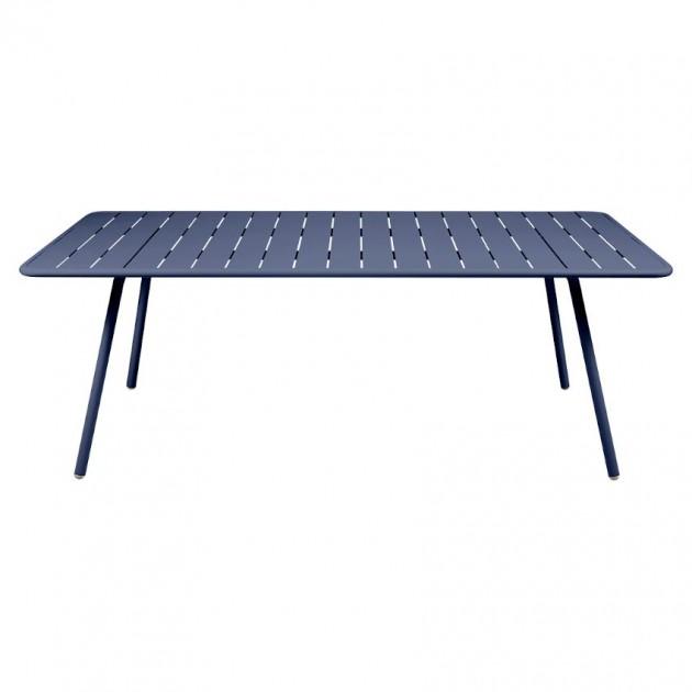 На фото: Обідній стіл Luxembourg 4132 Deep Blue (413292), Стіл Luxembourg 207x100 Fermob, каталог, ціна