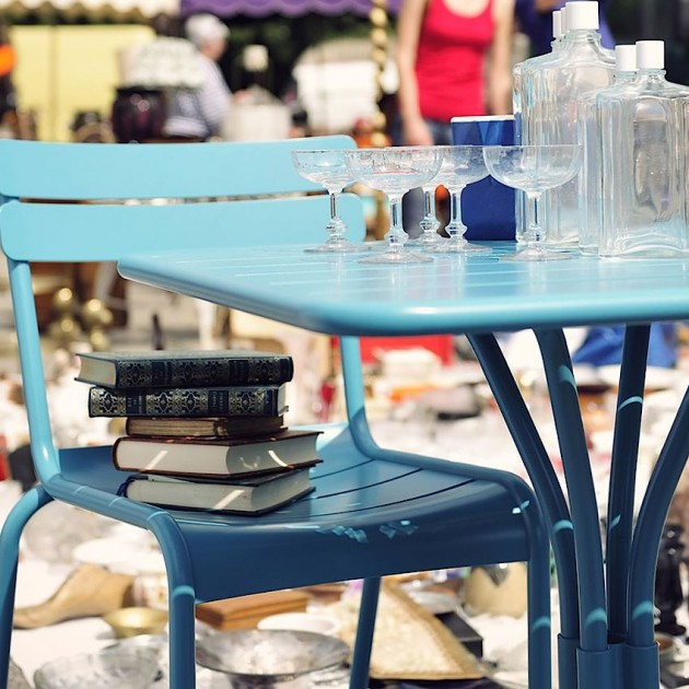 На фото: Стіл Luxembourg 4134 Acapulco Blue (413421), Квадратні столи Fermob, каталог, ціна