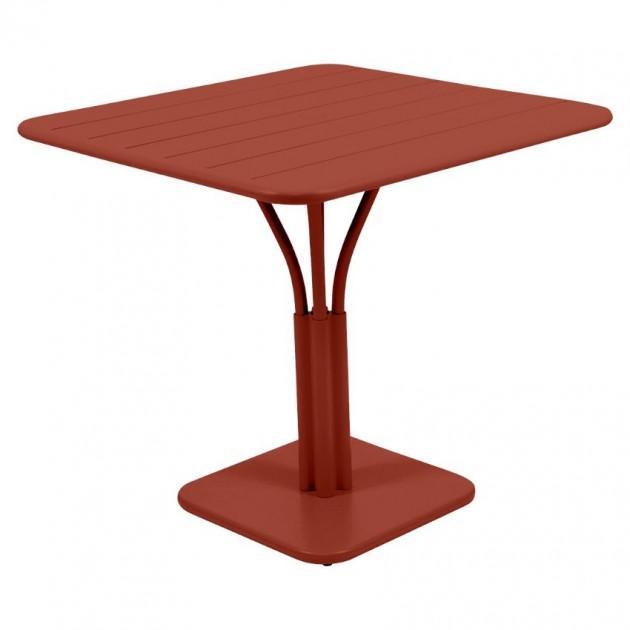 На фото: Стіл Luxembourg 4134 Red Ochre (413420), Стіл на центральній опорі Luxembourg Fermob, каталог, ціна