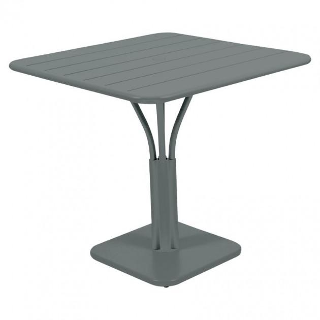 На фото: Стіл Luxembourg 4134 Storm Grey (413426), Квадратні столи Fermob, каталог, ціна
