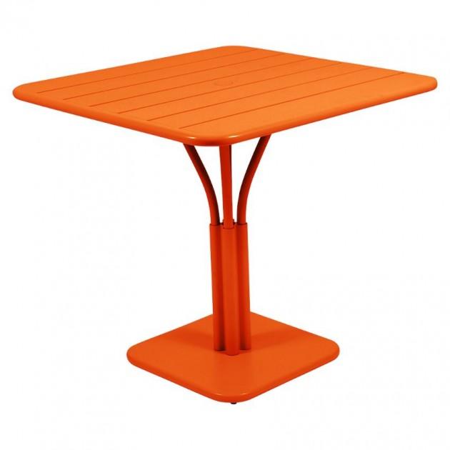 На фото: Стіл Luxembourg 4134 Carrot (413427), Стіл на центральній опорі Luxembourg Fermob, каталог, ціна