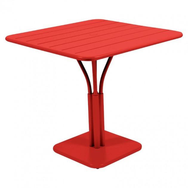 На фото: Стіл Luxembourg 4134 Capucine (413445), Стіл на центральній опорі Luxembourg Fermob, каталог, ціна