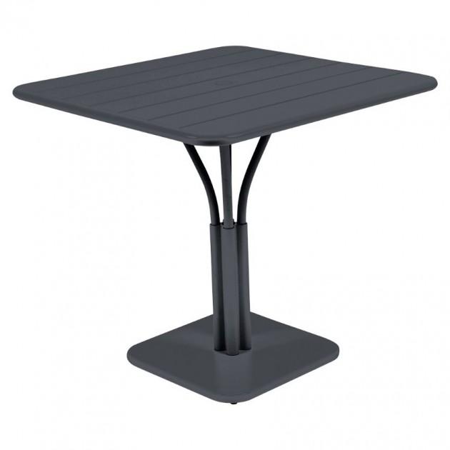 На фото: Стіл Luxembourg 4134 Anthracite (413447), Квадратні столи Fermob, каталог, ціна