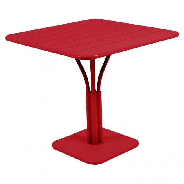 На фото: Стіл Luxembourg 4134 Poppy (413467), Стіл на центральній опорі Luxembourg Fermob, каталог, ціна