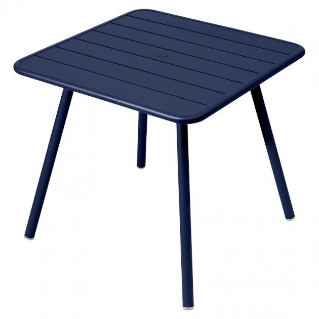 На фото: Стіл Luxembourg 4135 Deep Blue (413592), Стіл Luxembourg 80x80 Fermob, каталог, ціна