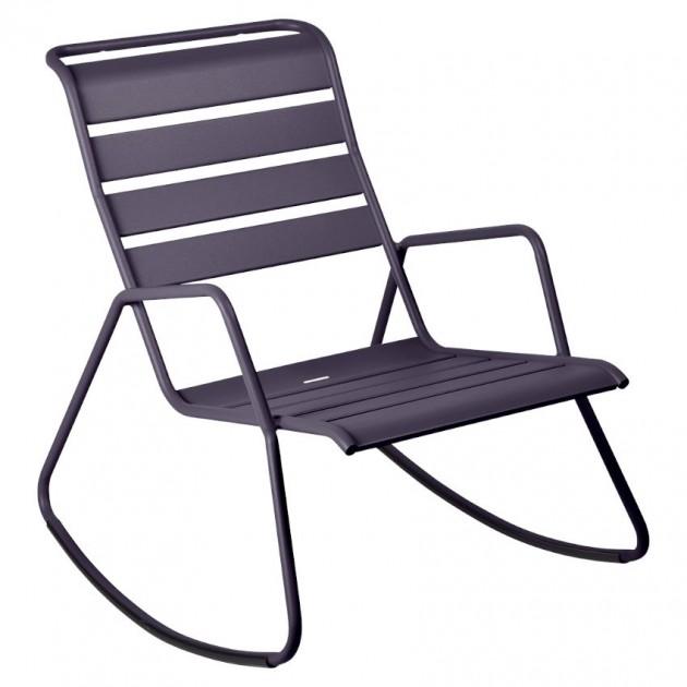 На фото: Крісло-гойдалка Monceau 4806 Plum (480644), Вуличні крісла-гойдалки Fermob, каталог, ціна