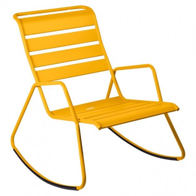 На фото: Крісло-гойдалка Monceau 4806 Honey (480673), Крісло-гойдалка Monceau Fermob, каталог, ціна