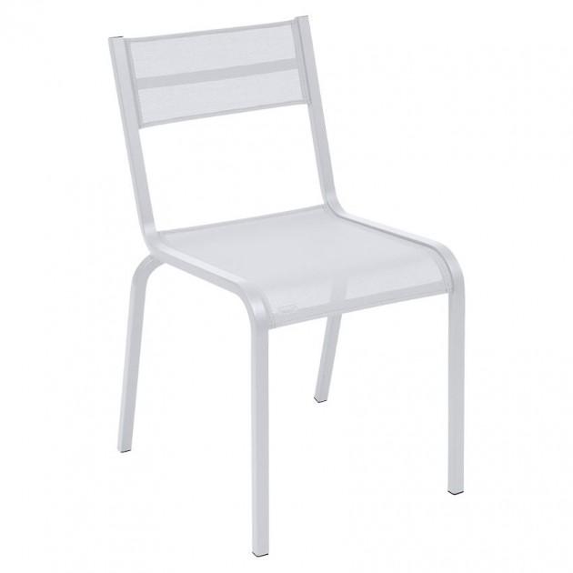 На фото: Cтілець Oléron 5501 Cotton White (550101), Чорні і білі стільці Fermob, каталог, ціна