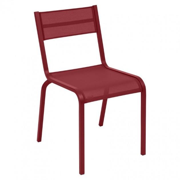 На фото: Cтілець Oléron 5501 Chili (550143), Кольорові стільці Fermob, каталог, ціна