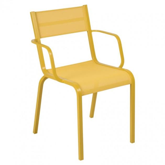 На фото: Cтілець Oléron 5502 Honey (550273), Кольорові стільці Fermob, каталог, ціна