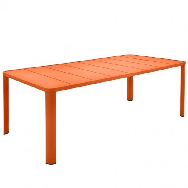 На фото: Обідній стіл Oléron 5531 Carrot (553127), Стіл Oléron 205х100 Fermob, каталог, ціна