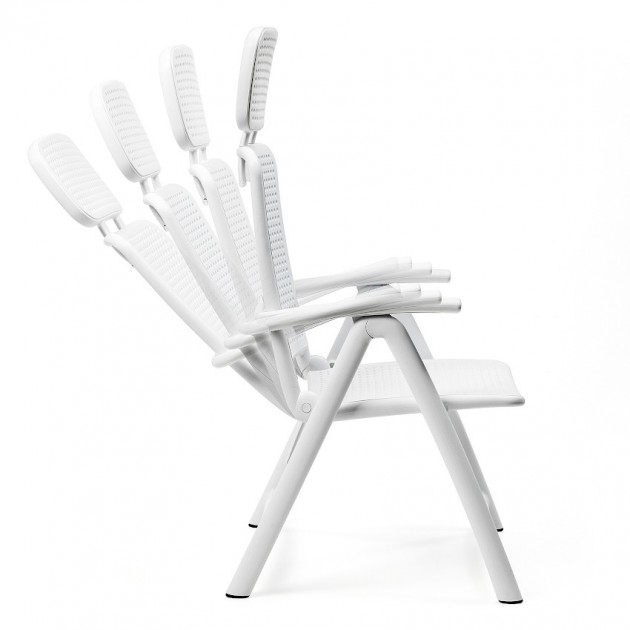 На фото: Крісло-шезлонг Acquamarina Caffe (40314.05.000), Пластикові крісла Nardi, каталог, ціна