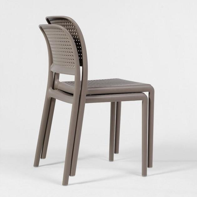 На фото: Стілець Bora Bistrot Caffe (40243.05.000), Пластикові стільці Nardi, каталог, ціна
