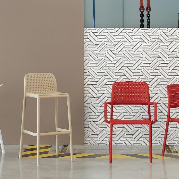 На фото: Стілець Bora Bianco (40242.00.000), Пластикові стільці Nardi, каталог, ціна