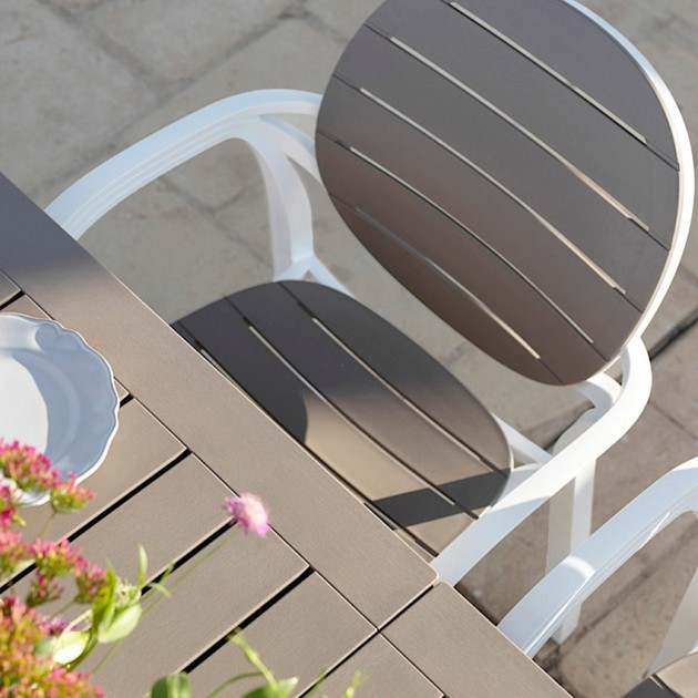 На фото: Столовий комплект Palma Bianco Tortora (k42753.10.000), Столові комплекти з пластика Nardi, каталог, ціна