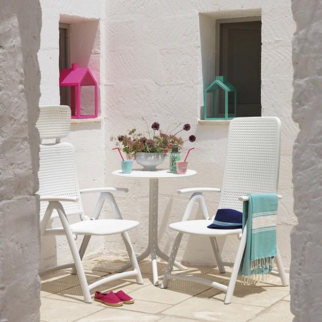 На фото: Круглий стіл Step Bianco (40056.00.000), Пластикові столи Nardi, каталог, ціна