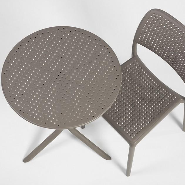 На фото: Круглий стіл Step Tortora (40056.10.000), Пластикові столи Nardi, каталог, ціна