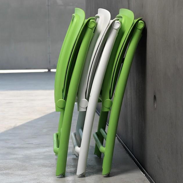 На фото: Розкладний стілець Zac Spring Lime (40325.12.000), Пластикові стільці Nardi, каталог, ціна