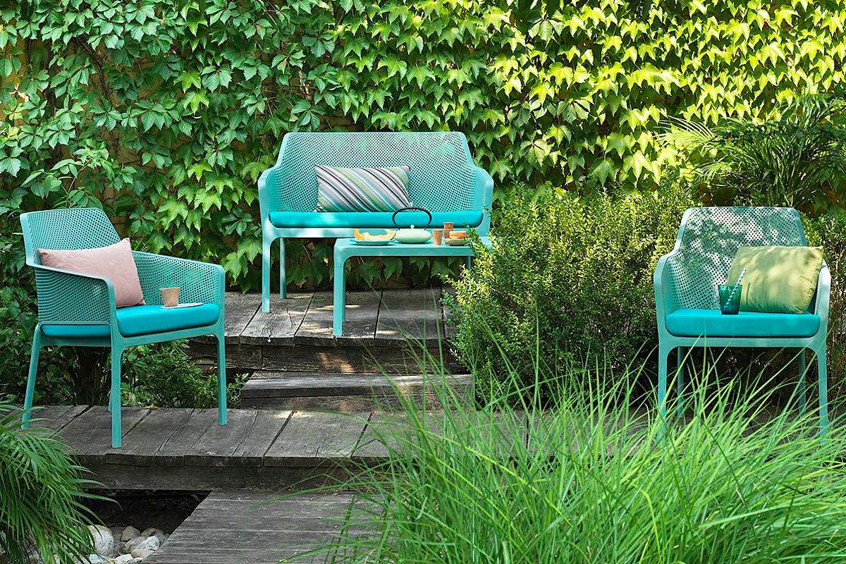 Купити комплект балконних меблів Nardi з диванчиком або лавкою