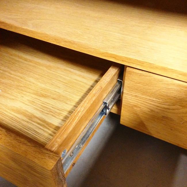 Догляд за меблями з натурального дерева